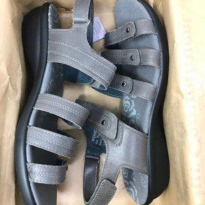 Propet Women's Aurora Wedge Sandal, Grey, 9.5 M US